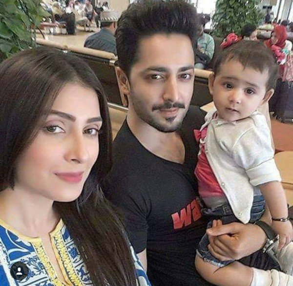 Ayeza Khan and Danish Taimoor are off to vacations (2)