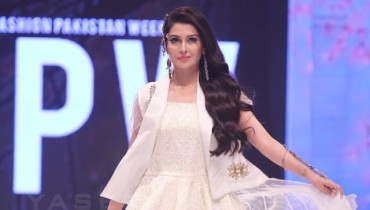 Ayeza Khan at FPW16
