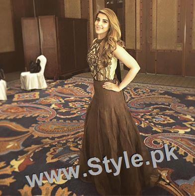 Hareem Farooq looks super hot in her new bronze blonde hair (3)