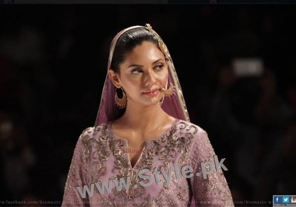 Looks of Pakistani Celebrities at FPW'16 Day 1 (18)