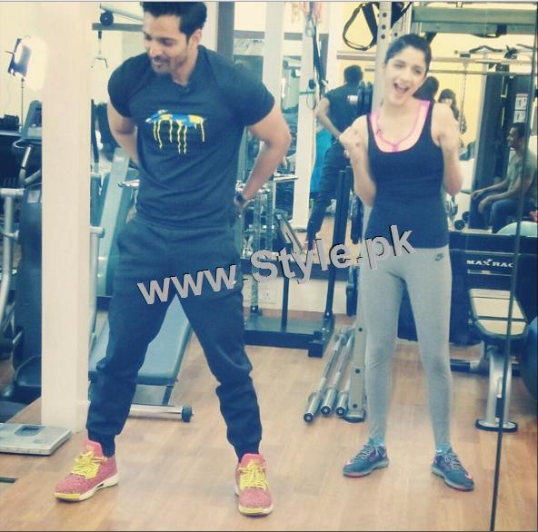Mawra Hocane works hard in Gym (7)