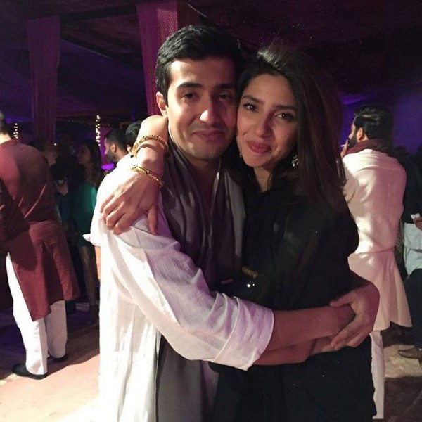 See Pictures of Mahira Khan with her brother
