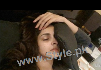Pictures of Pakistani Celebrities when they are asleep (11)