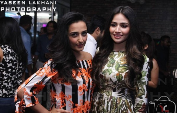 Sana Javed is an actress who has many close friends in Industry (11)