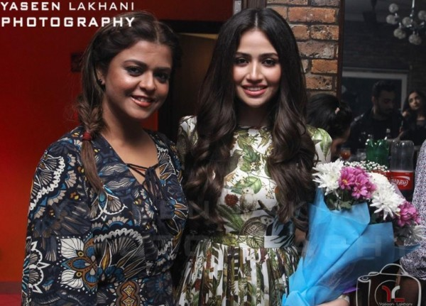 Sana Javed is an actress who has many close friends in Industry (12)
