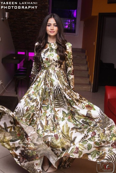 Sana Javed is an actress who has many close friends in Industry (16)