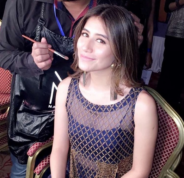 Syra Shahroz looked gorgeous at FPW16 Day 3 (4)
