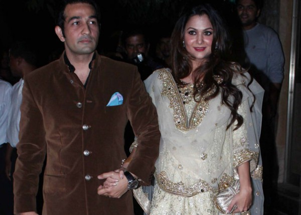 Bollywood actresses who became pregnant before marriage