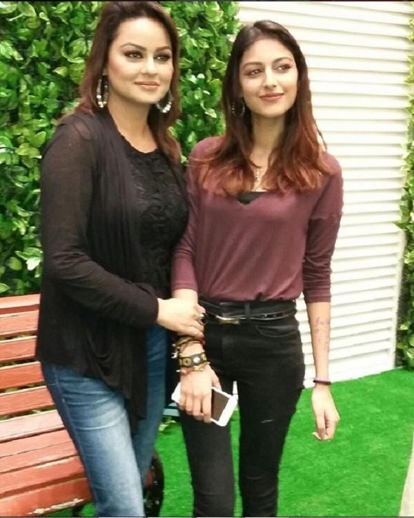 Javeria Abbasi with her daughter Anzela Abbasi