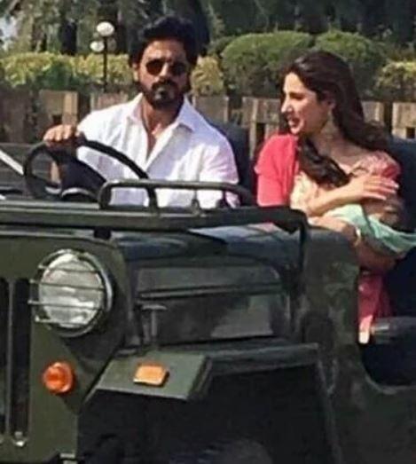 Mahira Khan with Shah Rukh Khan