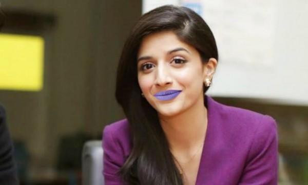 Mawra Hocane In Purple Lipstick
