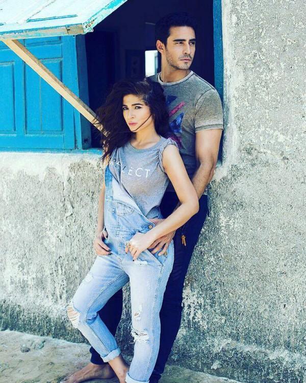 Recent Clicks of Ayesha Omar and Sikandar Rizvi (5)