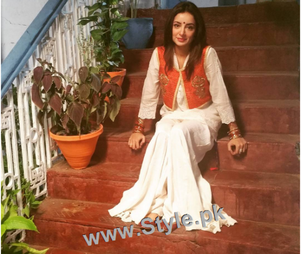 Recent Pictures of Sarwat Gillani as Hindu girl (1)