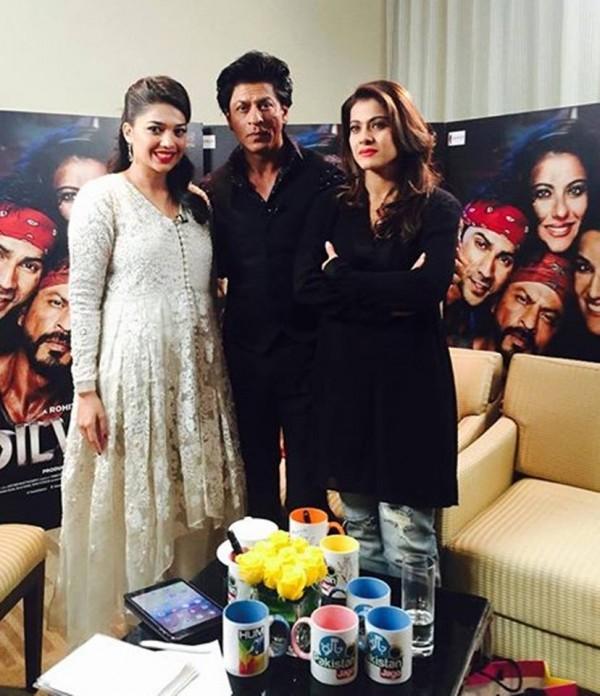 Sanam Jung with Shah Rukh Khan and Kajol
