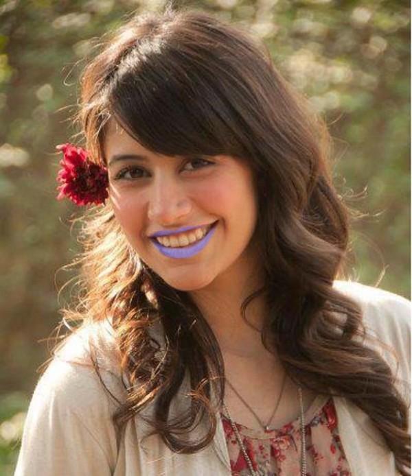 Syra Shehroze In Purple Lipstick