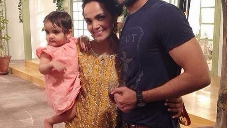 See First Public Appearance of Amina Sheikh and Mohib Mirza with their daughter Meissa mirza