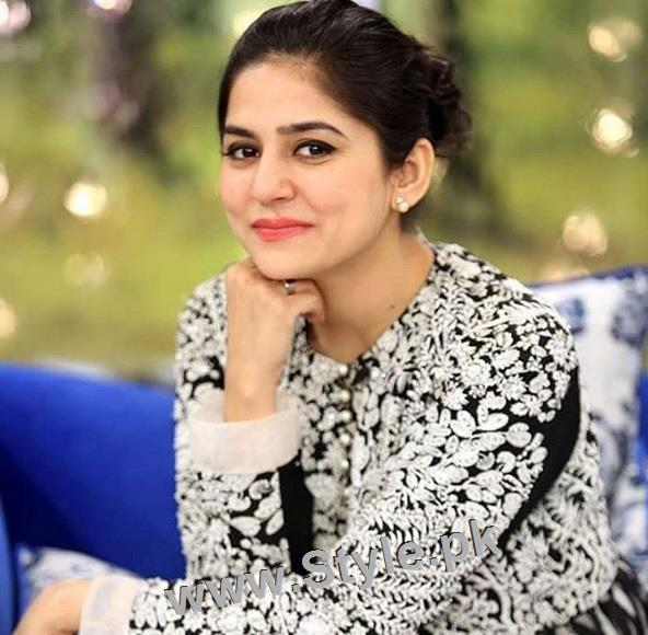 5 Most Decent Pakistani Celebrities (2)