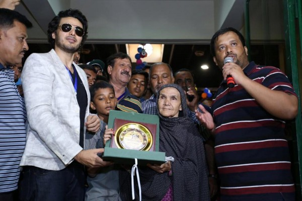 Ahsan Khan arranged Bazar e Ramzan for Needy People (11)