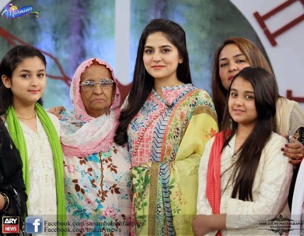Amjad Sabri (Late) with his Family (4)