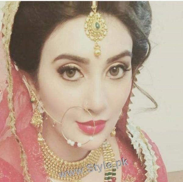 Ayesha Khan's bridal photoshoot (2)
