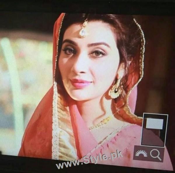 Ayesha Khan's bridal photoshoot (4)