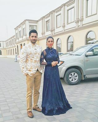 Ayeza Khan and Danish Taimoor on Last Day of Mehman nawaz (3)