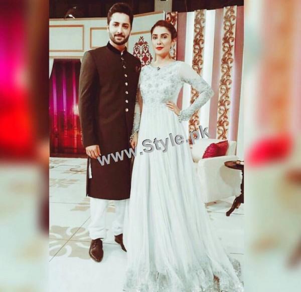 Ayeza Khan on the set of Mazak Raat Eid show (3)