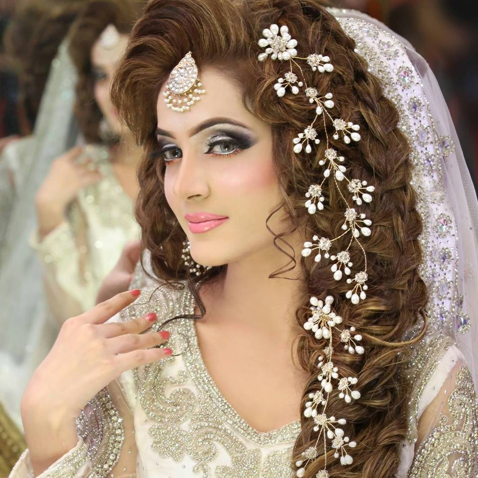 Bridal Makeup Hairstyle Images : Bridal hairstyles 2016