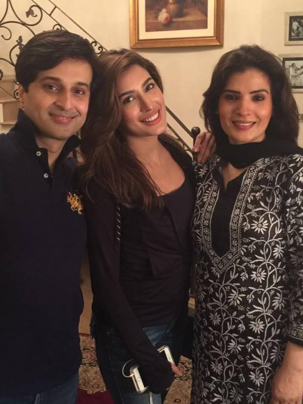 Pakistani Celebrities Enjoying Sehri together (5)