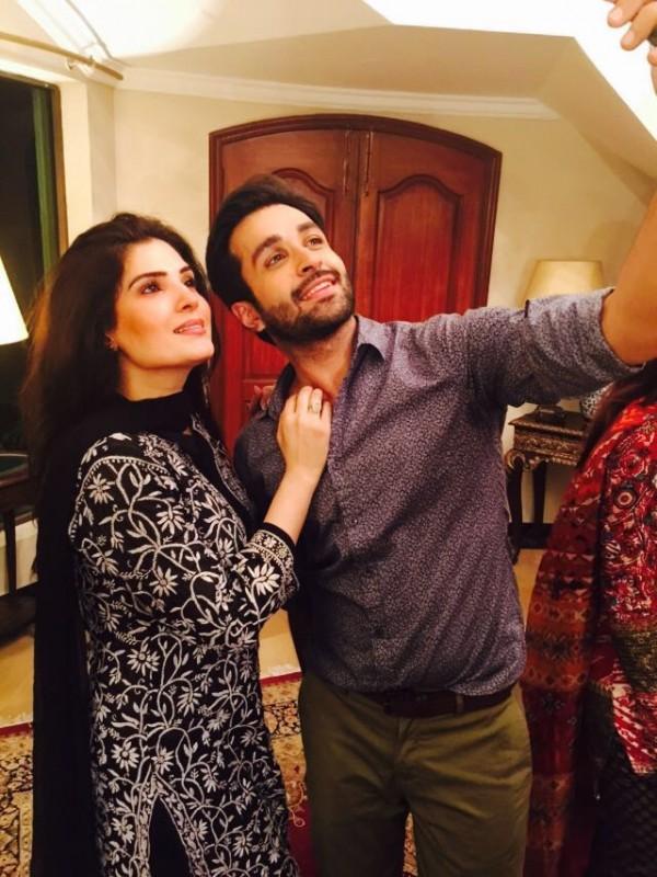 Pakistani Celebrities Enjoying Sehri together (7)