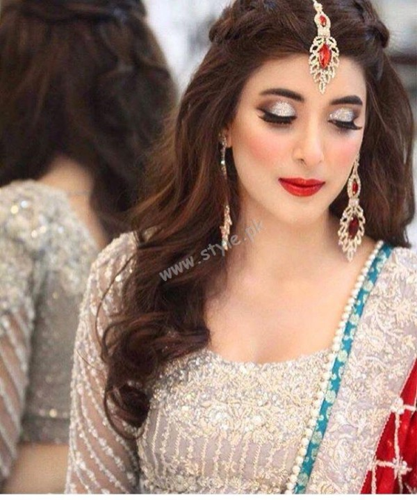 Beautiful Mehndi Hairstyles : Pakistani hairstyles for eid look different this