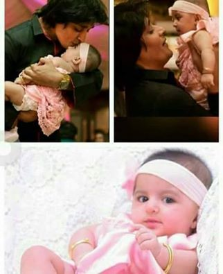 See Recent Clicks of Sahir Lodhi with his daughter