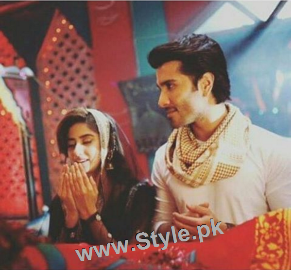 Romance of Sajal Ali and Feroze Khan in Zindagi Kitni Haseen Hai (9)