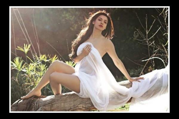 Sara Loren In Bollywood