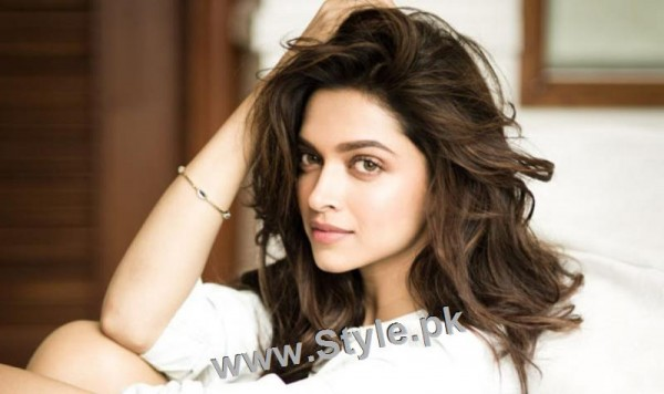 Top 10 Hairstyles you need to copy from Deepika Padukone (11)