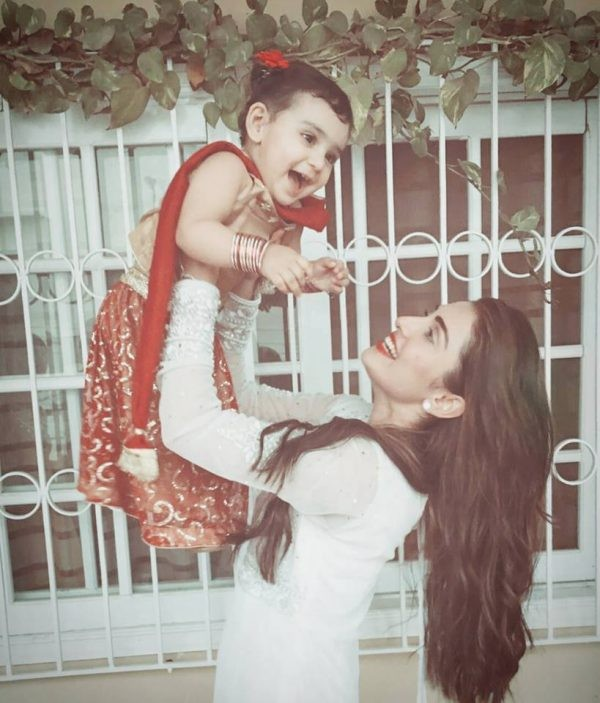 Ayeza Khan With Her Daughter On Eid 2016