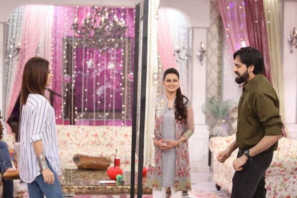 Javeria Abbasi replaced Nida Yasir in Good Morning Pakistan (2)