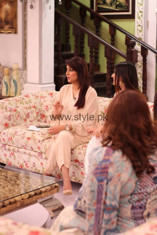 Javeria Abbasi with her daughter in Good Morning Pakistan (4)