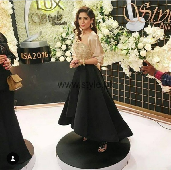 Pakistani Celebrities at Lux Style Awards 2016 (2)