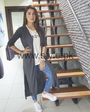 Pictures of Ayeza Khan from Shehrnaaz  (9)