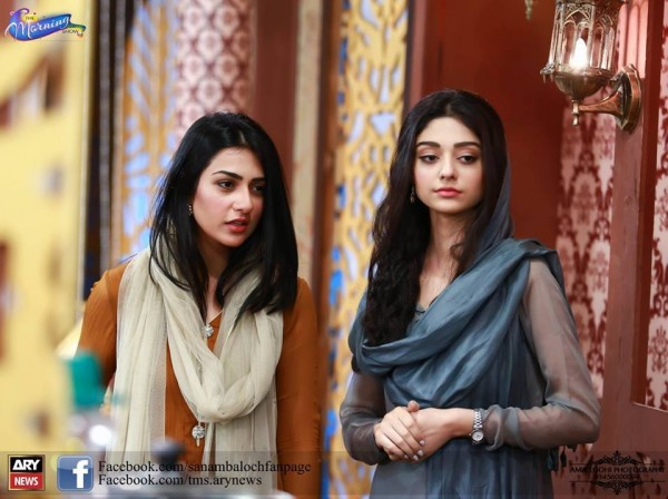 See Pictures of Beautiful Sisters Sarah Khan and Noor Khan