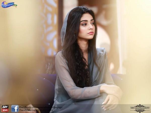 Pictures of Beautiful Sisters Sarah Khan and Noor Khan (3)