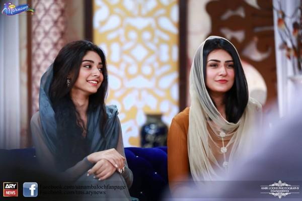 Pictures of Beautiful Sisters Sarah Khan and Noor Khan (6)