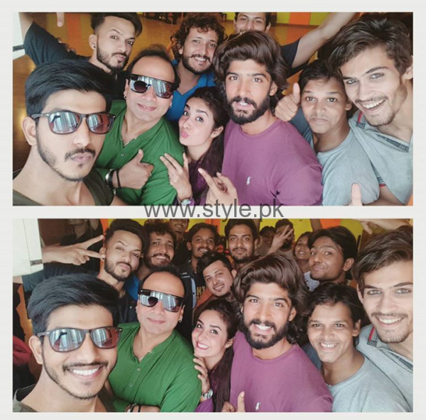 Pictures of Pakistani Celebrities during Rehearsals of LSA 2016 (5)