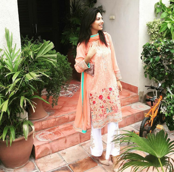 Pictures of Pakistani Celebrities on 2nd day of Eid (10)