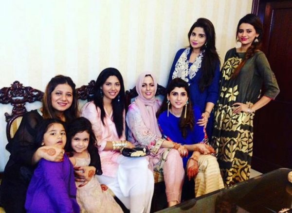 Pictures of Pakistani Celebrities on 2nd day of Eid (9)