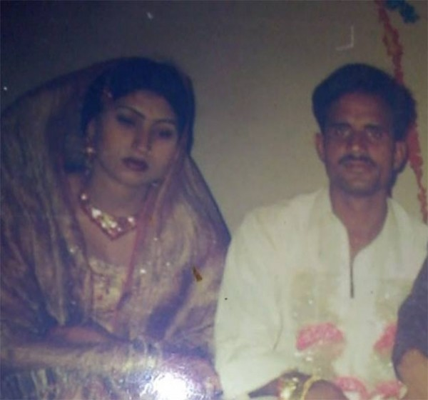 Qandeel Baloch S Ex Husband Comes Forward With Their Marriage Pics And Nikah Nama