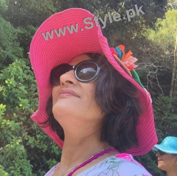 Saba Hamid Enjoying Vacations in Italy (5)
