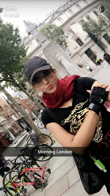 Sana Fakhar's pictures from London's tour (11)