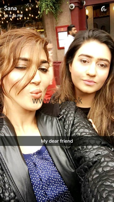 Sana Fakhar's pictures from London's tour (8)